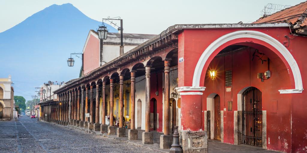 5-destinos-para-enamorados-en-Antigua-Guatemala-1024x512
