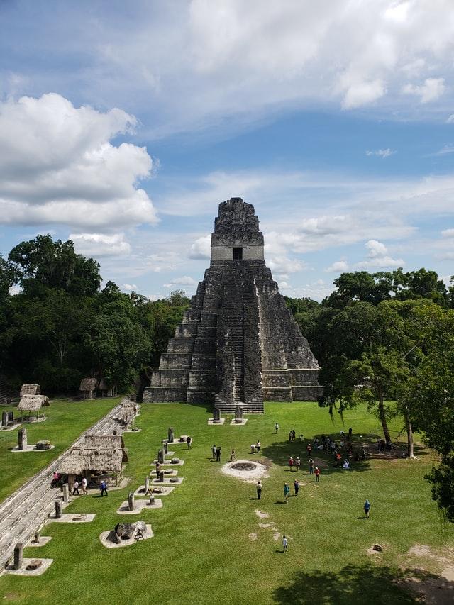 Legend of the Itacayo of Peten